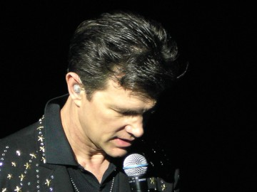 medium_Chris_Isaak_012.jpg