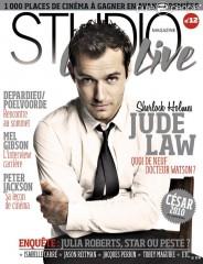 353814-jude-law-en-couverture-de-studio-cine-637x0-3.jpg
