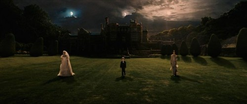 MELANCHOLIA de Lars Von Trier , charlotte gainsbourg, kirsten dunst, kieffer sutherland, dinma