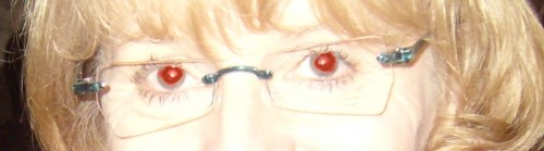 z'yeux rouges.JPG