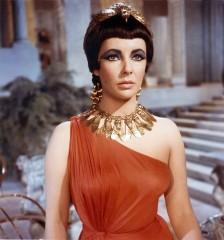 Liz-Taylor+Cleopatra-734407.jpg
