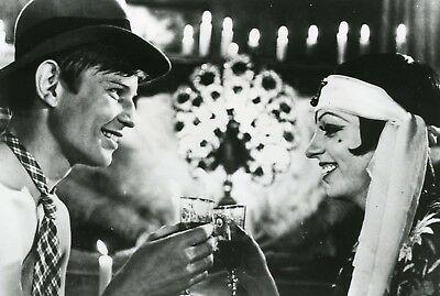 Liza-Minnelli-Michael-York-Cabaret-Bob-Fosse-Photo.jpg