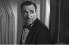 to_recente_acteur_francais_cinema_film_the_artist_noir_et_blanc_oscar_regard_inquiet_espion_moustache_noeud_papillon_elegance_cheveux_gomines_sp003.jpg